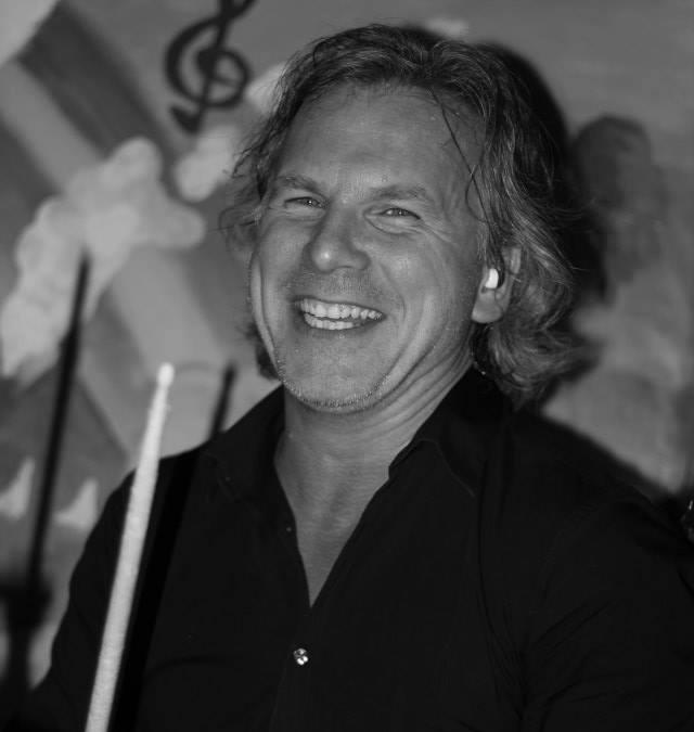 Roalt Breet drumdocent bij Popschool Wassenaar